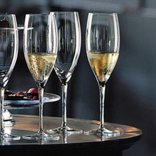 Чаши за шампанско и розе (8)
