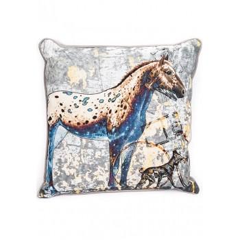 Декоративна възглавничка с изображение кон