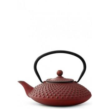 Чугунен чайник в червен цвят